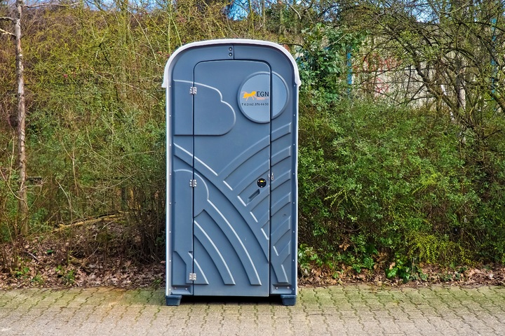 Co warto wiedzieć na temat toalet przenośnych